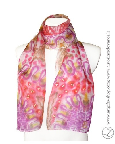 hand-painted-silk-scarf-lithuania-wearableart-handmade-heart-pink-red-brown-2